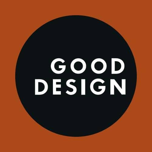 Logo zum internationalen Good Design Award in braun gehalten mit schwarzem Kreis und weißem Text.